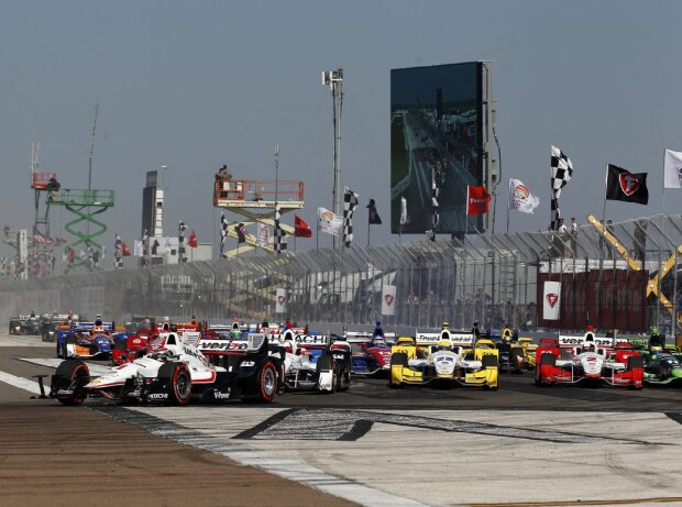 Start zum IndyCar-Saisonauftakt 2015 in St. Petersburg
