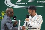 Lewis Hamilton (Mercedes) mit Ed Moses