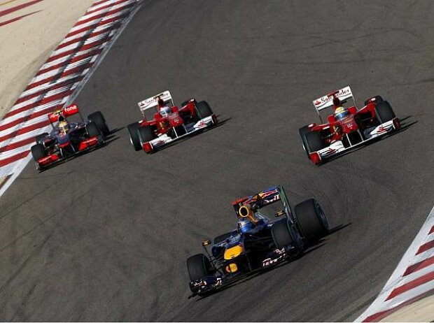Sebastian Vettel vor Fernando Alonso, Felipe Massa und Lewis Hamilton