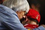 Bernie Ecclestone und Sebastian Vettel (Ferrari)