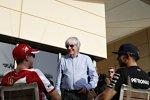 Bernie Ecclestone, Sebastian Vettel (Ferrari) und Lewis Hamilton (Mercedes)