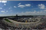 Race-Action unter blauem Himmel in Richmond