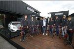 Die Mercedes-DTM-Fahrer mit ihren neuen Rotwild-Rennrädern