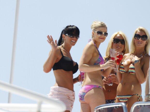 Bikini-Schönheiten in Monaco