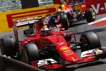 Kimi Räikkönen (Ferrari) und Daniel Ricciardo (Red Bull)