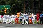 Choreographie während der Parade-Lap der Fahrer