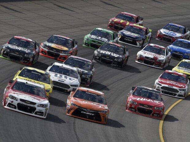 Race-Action auf dem Michigan Speedway