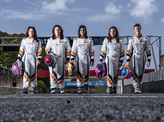 Edina Bús, Adrina Gugger, Amalia Vinyes, Lucile Cypriano, Marie Baus-Coppens - Die Frauen des SEAT Leon Eurocup 2015