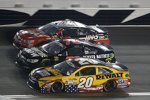 Matt Kenseth (Gibbs), Martin Truex Jun. (Furniture Row) und Kurt Busch (Stewart/Haas)