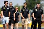 Jolyon Palmer und Romain Grosjean (Lotus) beim Track-Walk