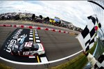 Xfinity: Erster Rundkurs-Sieg für Joey Logano (Penske)