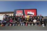 Die IndyCar-Piloten stiften ihre Helme für den Wilson Children's Fund