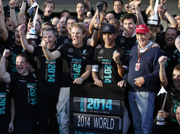 Paddy Lowe, Nico Rosberg, Lewis Hamilton, Toto Wolff, Niki Lauda