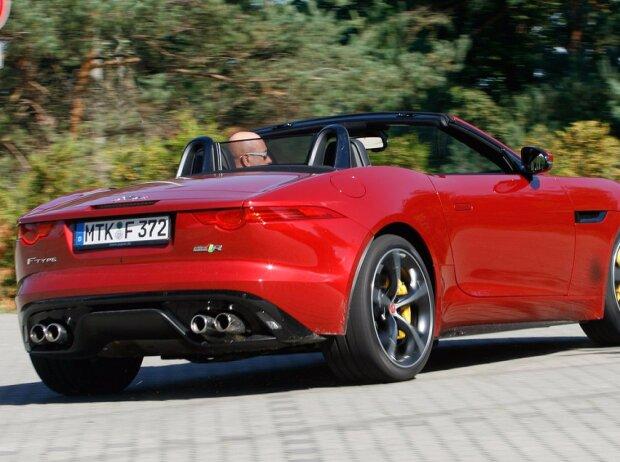 jaguar f type r cabrio awd die feine englische art. Black Bedroom Furniture Sets. Home Design Ideas