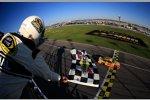 Joey Logano (Penske) wiederholt seinen Vorjahressieg auf dem Kansas Speedway