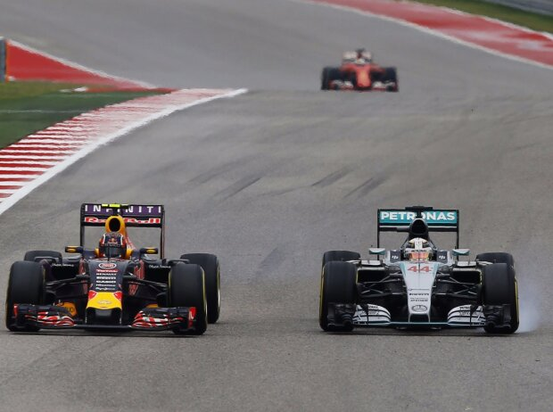 Daniil Kwjat, Lewis Hamilton