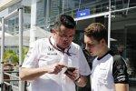 Stoffel Vandoorne und Eric Boullier (McLaren)