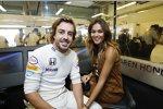 Fernando Alonso (McLaren) mit Freundin Lara Alvarez