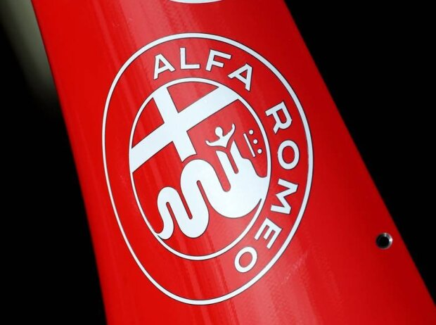 Alfa Romeo, Logo