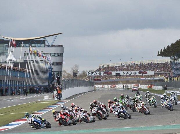 Start zum Rennen der Superbike-WM in Assen 2015