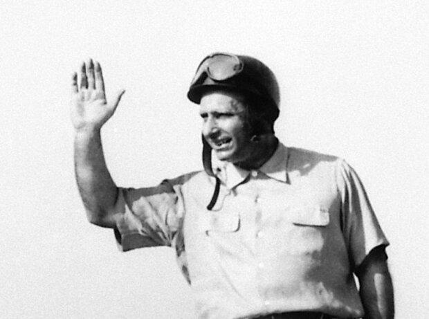 Juan Manuel Fangio beim Grand Prix von Italien 1954