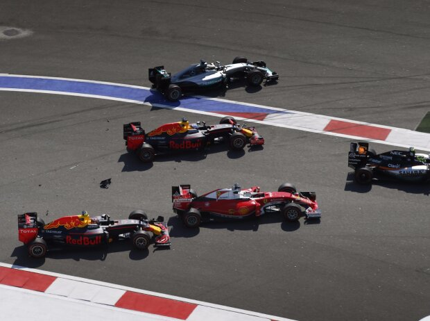 Sergio Perez, Daniel Ricciardo, Sebastian Vettel, Daniil Kwjat, Lewis Hamilton
