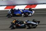 Sergio Perez (Force India) und Marcus Ericsson (Sauber)