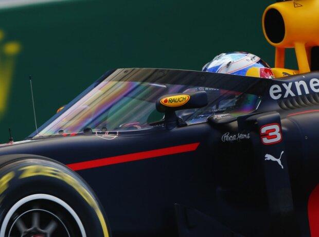 Daniel Ricciardo mit Cockpitschutz