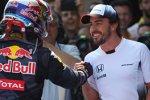 Max Verstappen (Red Bull) und Fernando Alonso (McLaren)