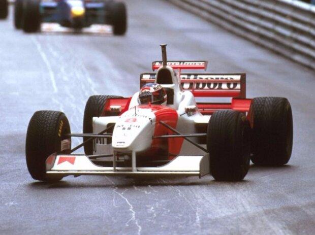 David Coulthard mit Schumacher-Helm