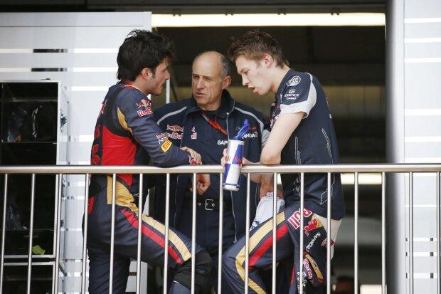 Carlos Sainz Franz Tost Daniil Kwjat Toro Rosso Scuderia Toro Rosso F1 ~Carlos Sainz (Toro Rosso), Franz Tost und Daniil Kwjat (Toro Rosso) ~