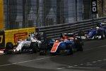 Pascal Wehrlein (Manor) und Valtteri Bottas (Williams)