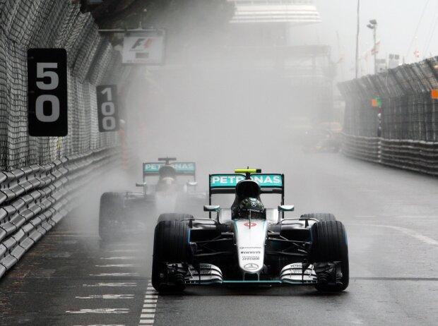 Nico Rosberg vor Lewis Hamilton