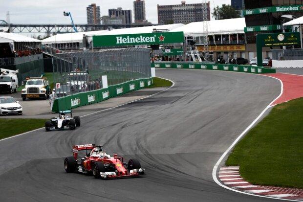 Sebastian Vettel Lewis Hamilton Ferrari Scuderia Ferrari F1Mercedes Mercedes AMG Petronas Formula One Team F1 ~Sebastian Vettel (Ferrari) und Lewis Hamilton (Mercedes) ~