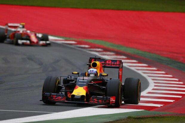 Daniel Ricciardo Kimi Räikkönen Ferrari Scuderia Ferrari F1Red Bull Red Bull Racing F1 ~Daniel Ricciardo (Red Bull) und Kimi Räikkönen (Ferrari) ~