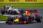 Daniel Ricciardo (Red Bull) und Esteban Gutierrez (Haas)