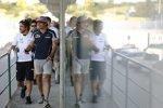 Carlos Sainz (Toro Rosso) und Fernando Alonso (McLaren)