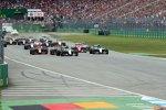 Lewis Hamilton und Nico Rosberg am Start