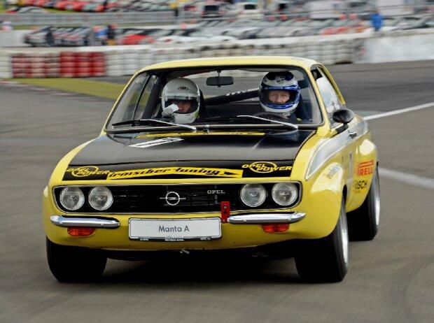 Opel lässt beim AvD-Oldtimer-Grand-Prix die Tourenwagen von Manta A (Foto mit Walter Röhrl am Steuer) bis Astra TCR los