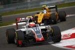 Esteban Gutierrez (Haas) und Jolyon Palmer (Renault)
