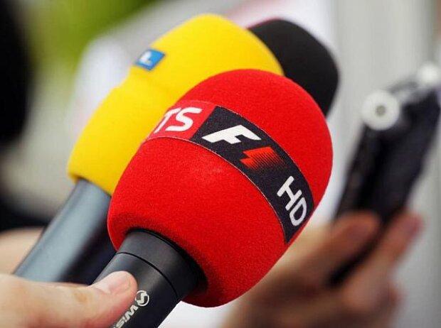 Sky, RTL, Mikrofon
