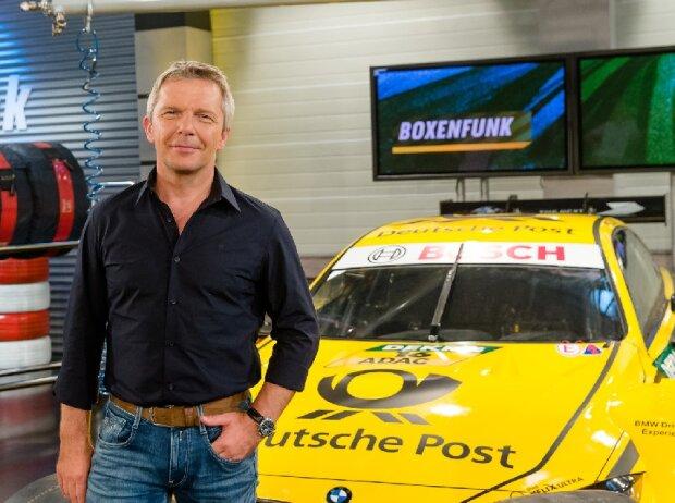 SPORT1-Moderator Andreas Spellig führt durch die SPORT1-Sendung
