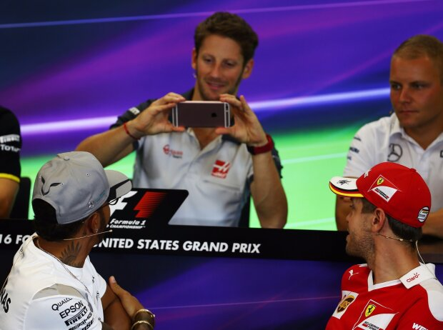 Romain Grosjean, Lewis Hamilton