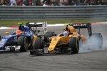 Felipe Nasr (Sauber) und Jolyon Palmer (Renault)