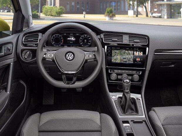 Cockpit des VW Golf 7 Facelift 2017