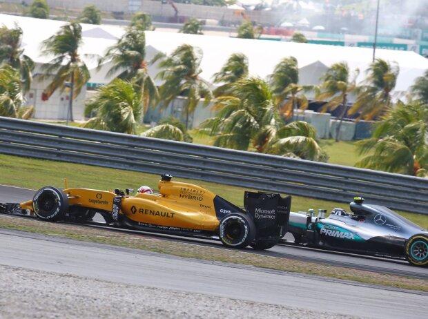 Kevin Magnussen, Nico Rosberg