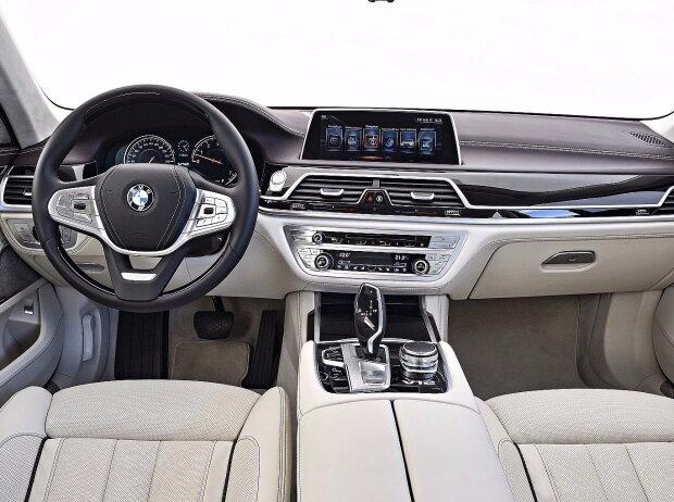 Innenraum Des BMW M 760 Li XDrive 2017