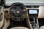 Innenraum und Cockpit des neuen Skoda Octavia III mit Vier-Augen-Facelift 2017