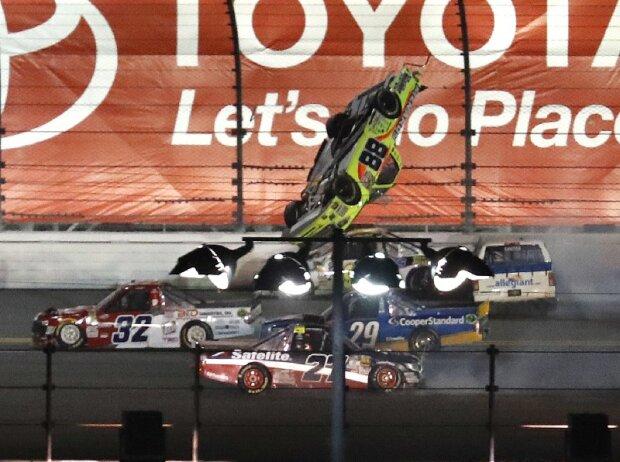 Massencrash, Unfall, NASCAR Truck