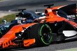 Stoffel Vandoorne (McLaren) und Valtteri Bottas (Mercedes)